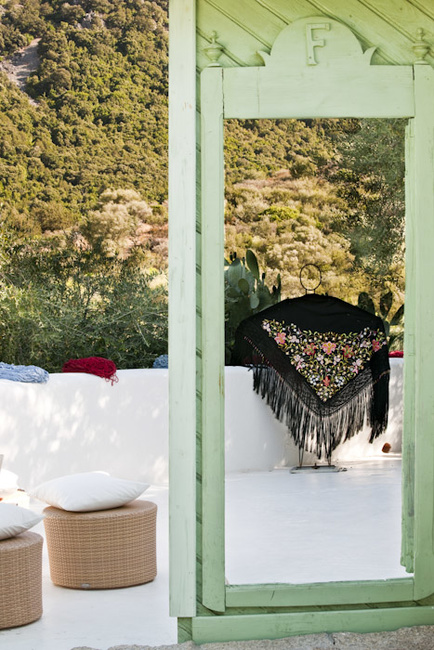 Stefano Scatà Food Lifestyle and Interiors photographer  Sardinian hand made shawls and  embroideries
