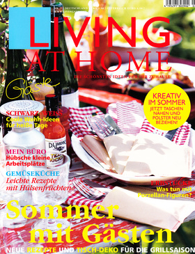 LIVING AT HOME Luglio 2013